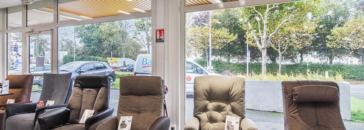 large gamme fauteuil releveur moteur bastide le confort médical